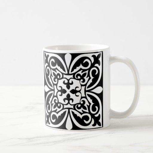 Teja marroquí - negro con el fondo blanco taza