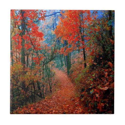 Teja pintada de la acuarela de la llama del otoño