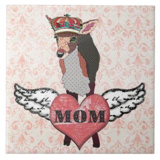 Teja rosada bonita de la mamá del corazón del cerv