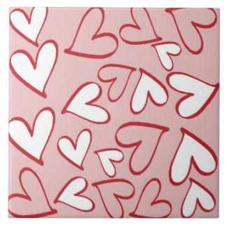 Teja rosada y blanca de los corazones