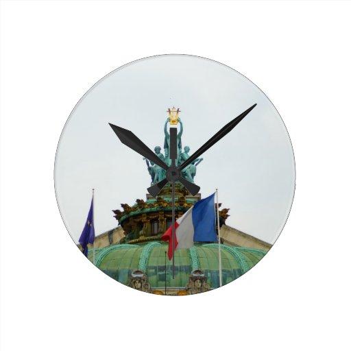 Tejado de la ópera Garnier en París, Francia Reloj Redondo Mediano