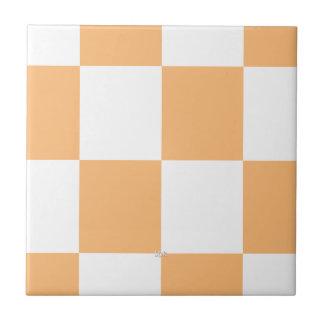 tejas a cuadros blancas del color de la