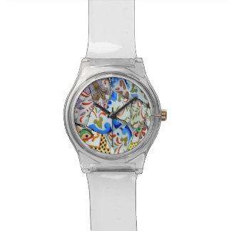 Tejas de mosaico de Guell del parque de Gaudi Reloj