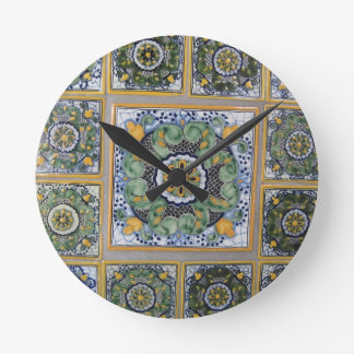 Tejas del estilo de Talavera del mexicano Reloj Redondo Mediano