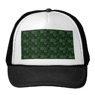 Tejas en verde gorros bordados