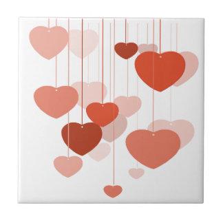 Tejas y Trivets de los corazones de Hangin