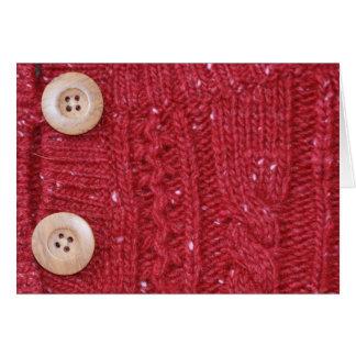 Tejido en cable rojo y dos botones tarjeta pequeña