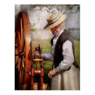 - Tejiendo - la rueda grande de costura guarda en Postal