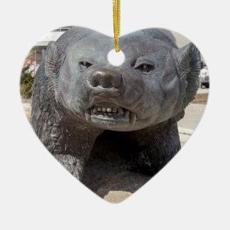 tejón bucky adorno navideño de cerámica en forma de corazón