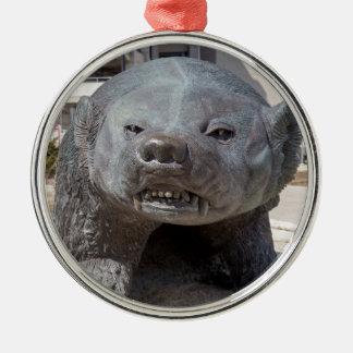 tejón bucky adorno navideño redondo de metal