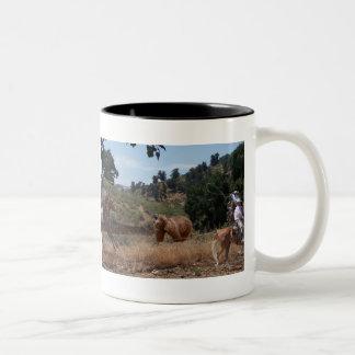 Tejon Vaquero Grizzly Roping Two-Tone Coffee Mug