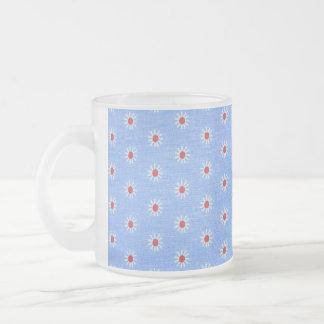 Tela de la antigüedad de la margarita azul taza de café
