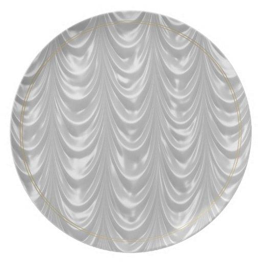 Tela de satén blanca nupcial con el modelo hornead plato de comida