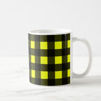 Tela escocesa amarilla del búfalo taza de café