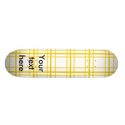 Tela escocesa amarilla retra en el fondo blanco patinetas personalizadas