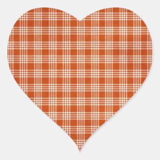 Tela escocesa anaranjada pegatina en forma de corazón