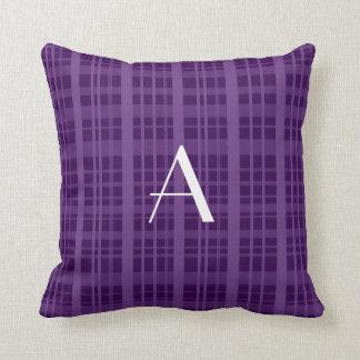 Tela escocesa de la púrpura del monograma cojines
