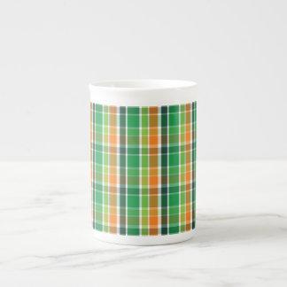 Tela escocesa del día de St Patrick (naranja y Taza De Porcelana