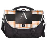 Tela escocesa del naranja del monograma bolsas para portatil