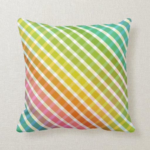 Tela escocesa en almohada del arco iris 1