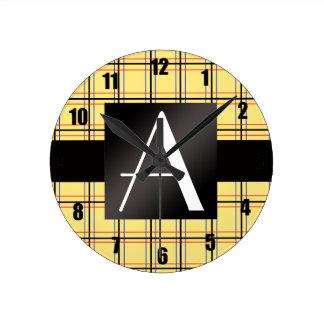 Tela escocesa negra amarilla del monograma relojes