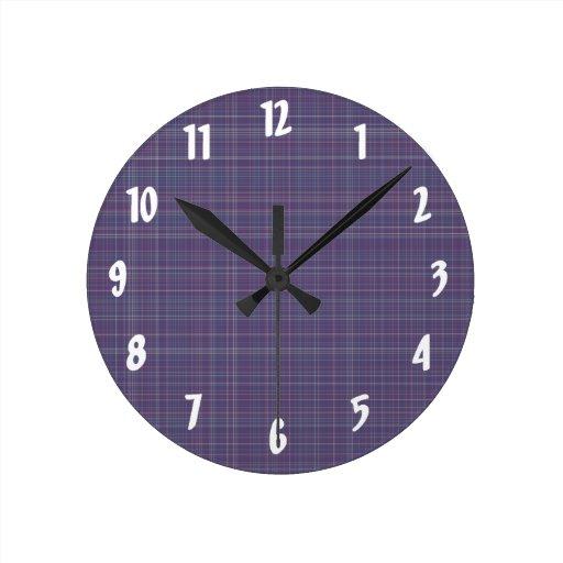 Tela escocesa púrpura reloj redondo mediano