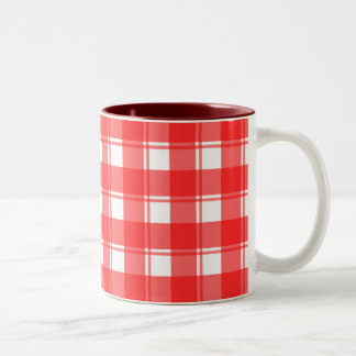 Tela escocesa rayada del país rojo y blanco taza