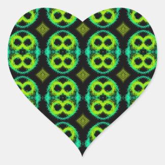 Tela escocesa verde de la diversión pegatina en forma de corazón