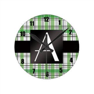 Tela escocesa verde del monograma relojes