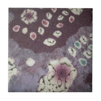 Tela púrpura dulce del kimono teja cerámica