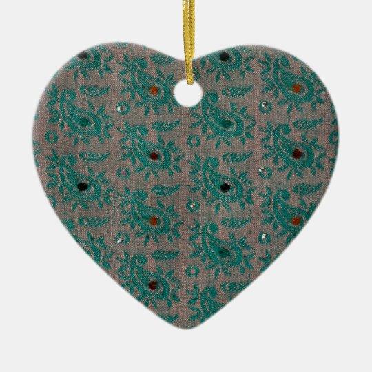 Tela vieja adorno navideño de cerámica en forma de corazón