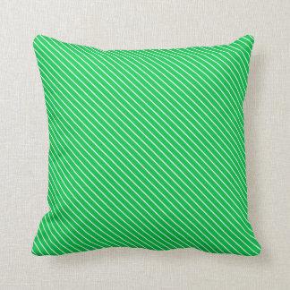 Telas a rayas diagonales - verde esmeralda y almohadas