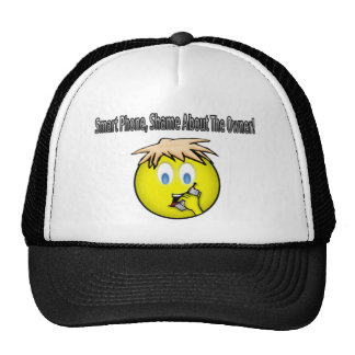 Teléfono elegante, vergüenza sobre la camisa de la gorras