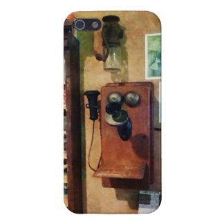 Teléfono pasado de moda iPhone 5 carcasa