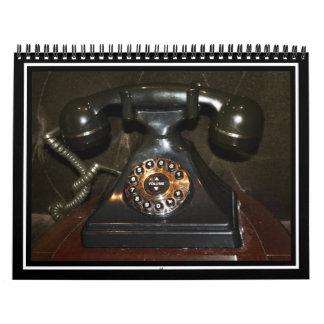 Teléfono viejo de la terminal de marcado manual calendario