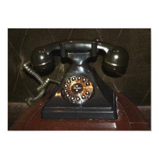 Teléfono viejo de la terminal de marcado manual invitacion personalizada