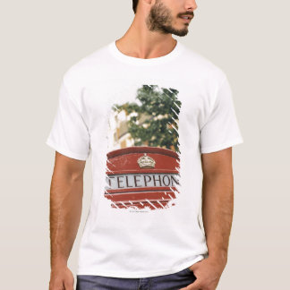Telephone booth in London England T-Shirt