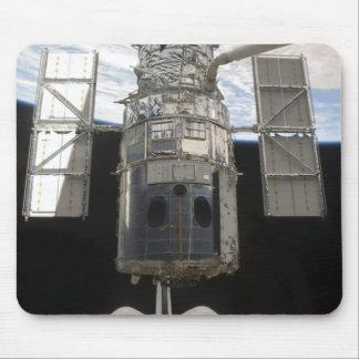 Telescopio espacial de Hubble en bahía de cargo de Tapete De Ratones
