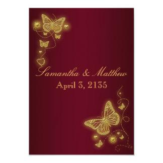 """Tema de la mariposa del boda del oro de Borgoña Invitación 5"""" X 7"""""""