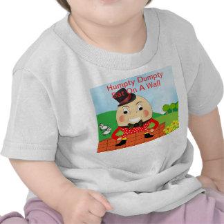 Tema de la poesía infantil de Humpty Dumpty Camisetas