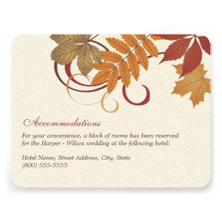 Tema descendente de las hojas de la tarjeta de inf invitacion personal