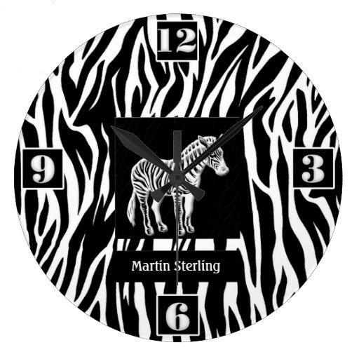 Tema rayado blanco y negro de la selva de la cebra reloj redondo grande