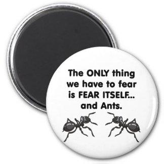 Témalo sí mismo y hormigas 2 imán redondo 5 cm