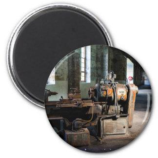 Temático industrial, una máquina industrial imán redondo 5 cm