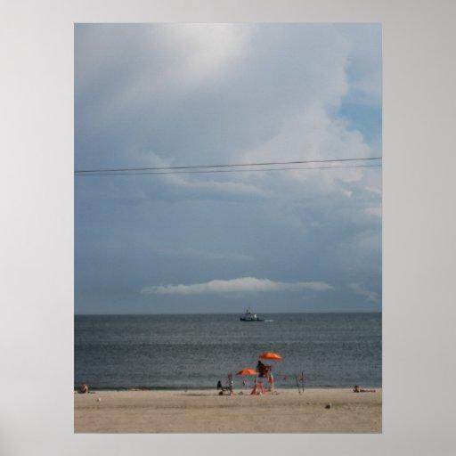 Tempestad de truenos que se acerca, playa del vera póster