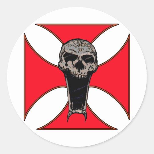 Templar cross skull classic round sticker