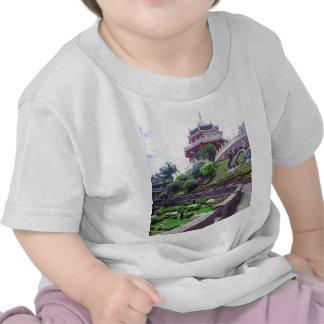 Templo asiático del Taoist Camisetas