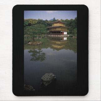 Templo budista de Kinkaku-ji Mouse Pads