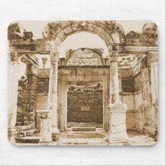 Templo de Hadrian en FOTOGRAFÍA del VINTAGE de Eph Tapete De Ratón