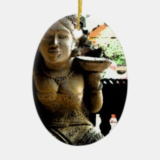 Templo de la escultura en Bali Adorno Navideño Ovalado De Cerámica